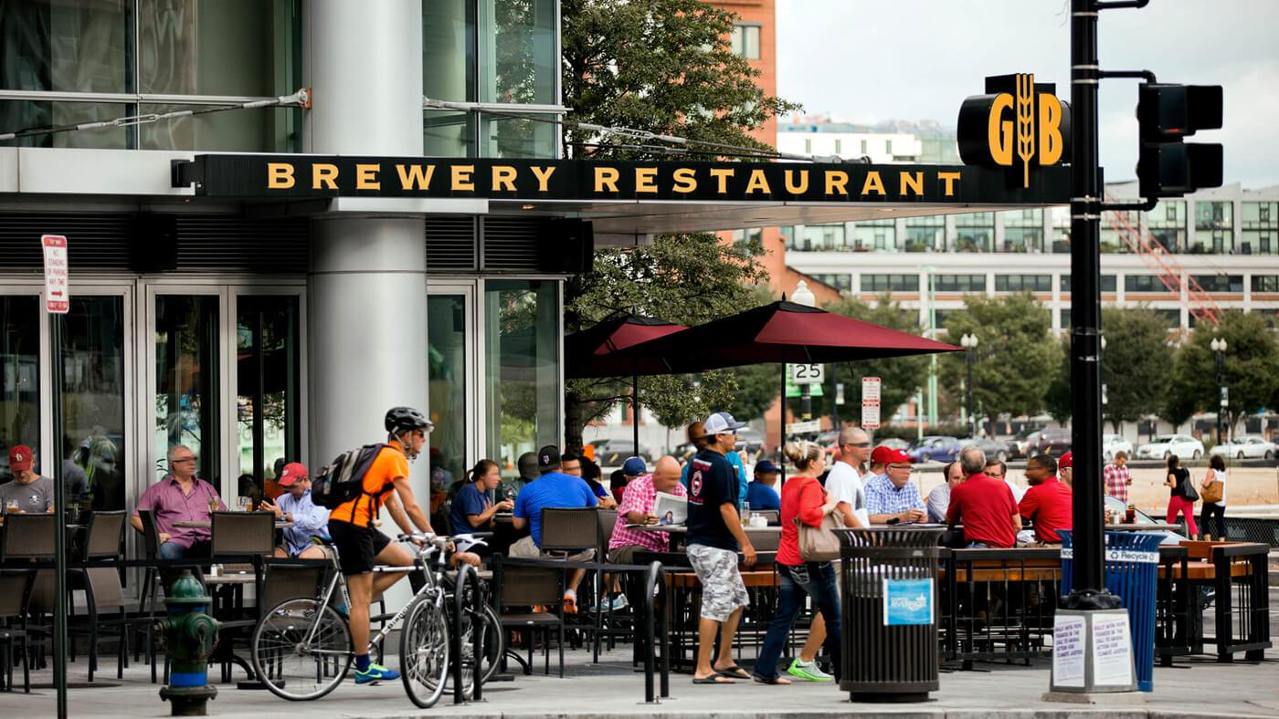 Grab dinner and a beer at the popular Gordon Biersch brewery restaurant.