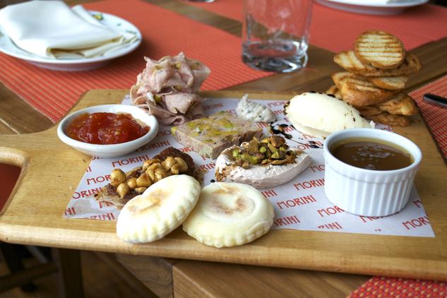 6 Mouthwatering Restaurants Near Navy Yard