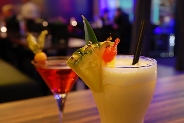 Don't Miss Happy Hour at Scarlet Oak