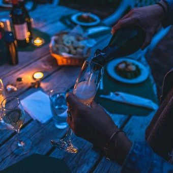 Dinners in the Dark: A Unique Sensory Experience Near Insignia on M